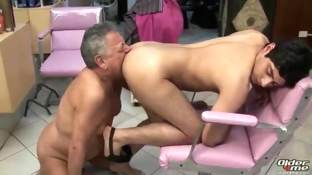 Old/young Gay Rimjob brunette beeg videos