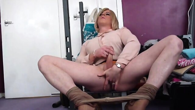 tranny holly cums hands free amateur beeg videos